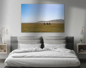 Paardrijders bij het Song Kul meer van Mickéle Godderis