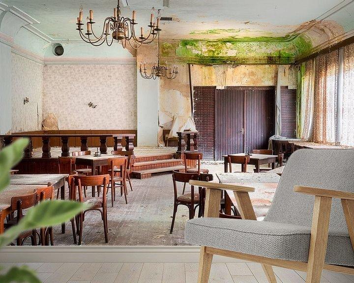 Beispiel fototapete: Verlassener Speisesaal in Verfall. von Roman Robroek