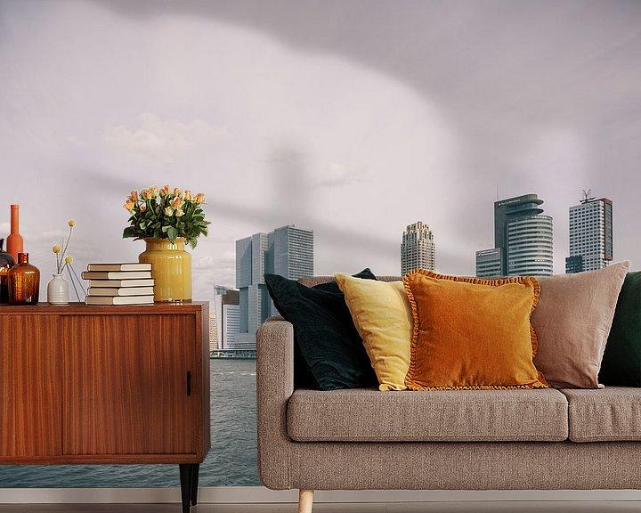 Sfeerimpressie behang: Skyline Rotterdam met watertaxi van Paul Jespers