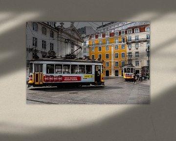 Beroemde trams in Lissabon van Karin Riethoven