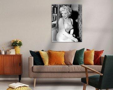 Marilyn Monroe tijdens een feestje in 1955 van Bridgeman Images