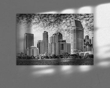 SAN DIEGO Skyline | Monochrome von Melanie Viola