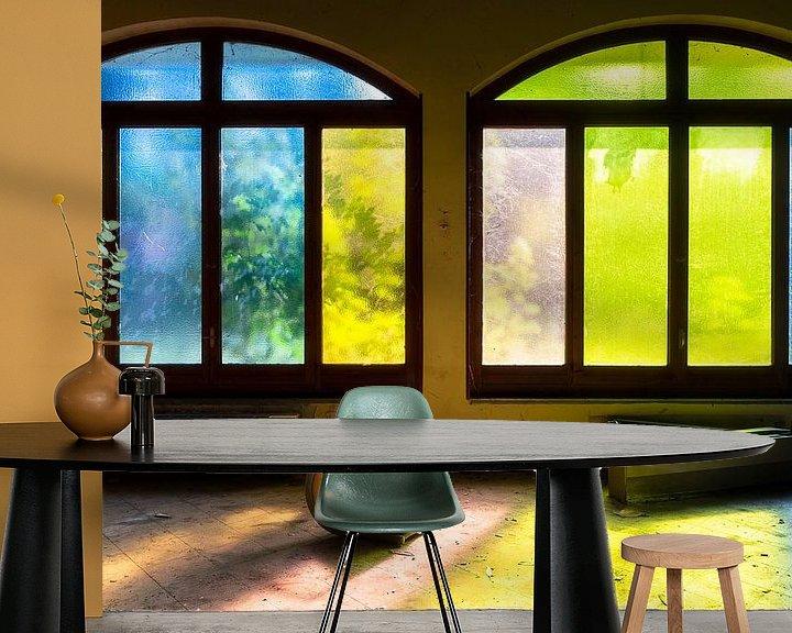Beispiel fototapete: Farbige Fenster im verlassenen Hotel. von Roman Robroek