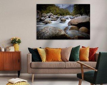 Rotsen in een rivier van Jurgen Buijsse