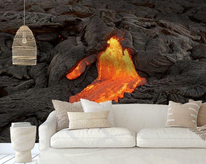 Beispiel fototapete: Lava fließt aus einer Erdspalte von Ralf Lehmann