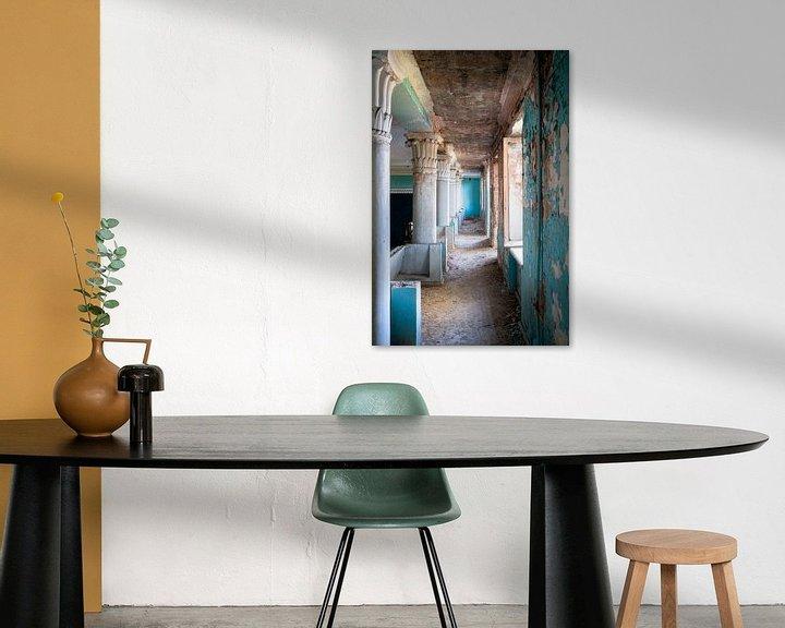 Beispiel: Verlassener Blauer Korridor. von Roman Robroek