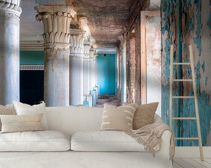 Beispiel fototapete: Verlassener Blauer Korridor. von Roman Robroek