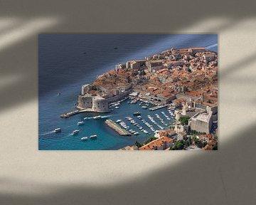 Uitzicht op het oude centrum van Dubrovnik van Reis Genie