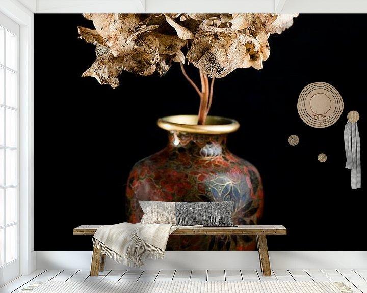 Beispiel fototapete: Getrocknete Blumen in einer braunen Vase von Atelier Liesjes