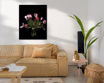 Ein Strauß blühender Tulpen von Atelier Liesjes