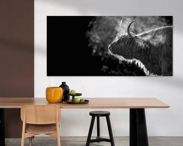 Sfeerimpressie: Schotse Hooglander in de vrieskou op Texel. van Justin Sinner Pictures ( Fotograaf op Texel)