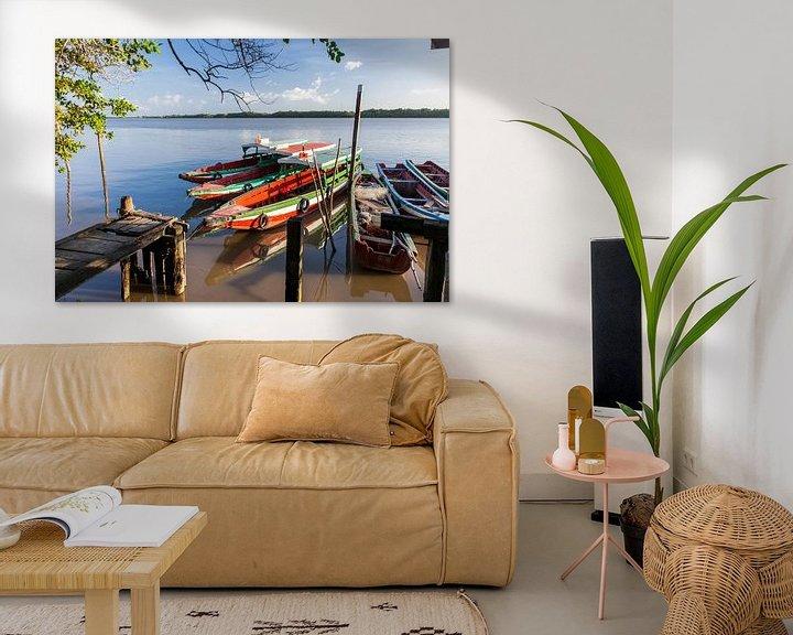 Sfeerimpressie: Boten op de Commewijne  rivier, Suriname van Marcel Bakker