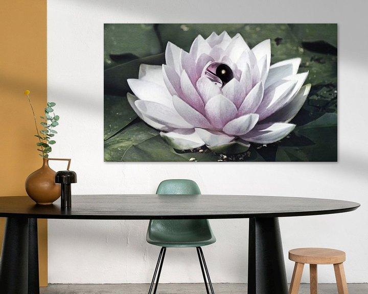 Sfeerimpressie: Yin Yang Lotus Flower van Jacky Gerritsen