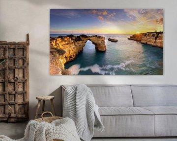 Praia de Albandeira in Algarve, Portugal van Adelheid Smitt