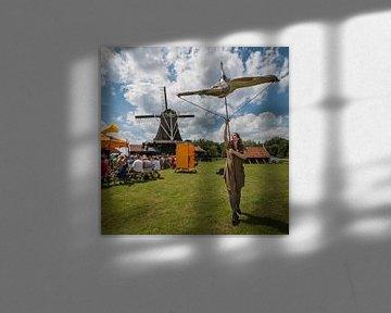 Vierkaant beeld van Bolwerksmolen bij Deventer tijdens een evenement