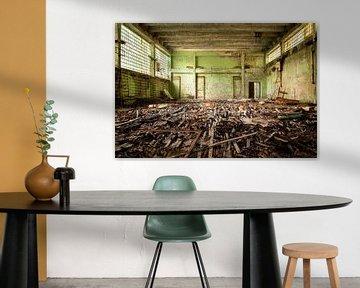 Verlassene Turnhalle in Tschernobyl. von Roman Robroek