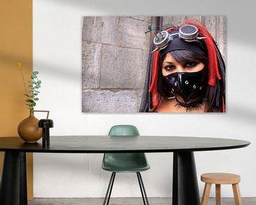 Gothic vrouw met mond masker van Bobsphotography
