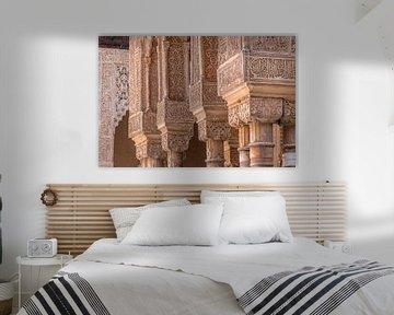 Säulen der Alhambra de Granada von Lizanne van Spanje