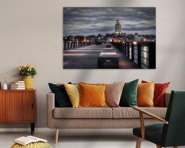 De Deventer skyline vanaf de pier met de Lebuïnuskerk in zwart-wit van Jaimy Leemburg Photography