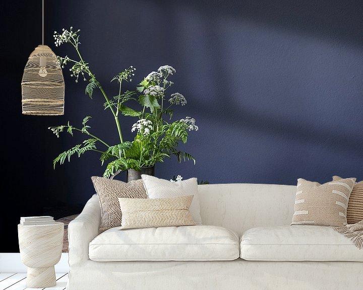 Sfeerimpressie behang: Stilleven met fluitenkruid en tin op hout [horizontaal] van Affect Fotografie