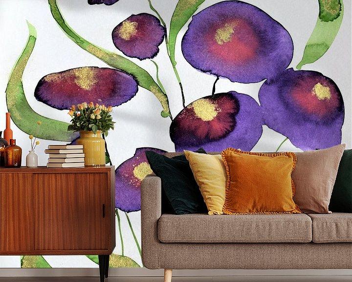 Sfeerimpressie behang: Paarse bloemen van Jessica van Schijndel