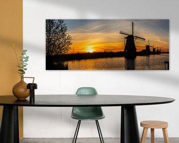 Panorama van de zonsopkomst bij Kinderdijk van Richard Kortland