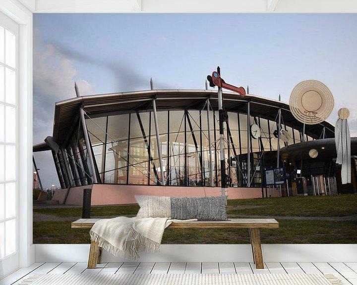 Sfeerimpressie behang: Train station van H,M SOETENS