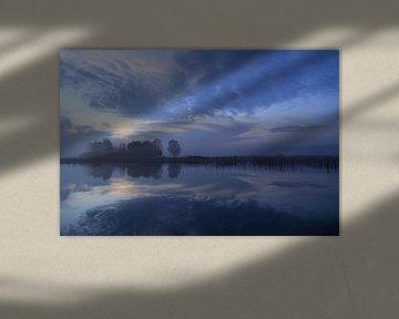 Blauwe zonsopkomst bij park Lingezegen Arnhem. Zen, rust van Bobsphotography