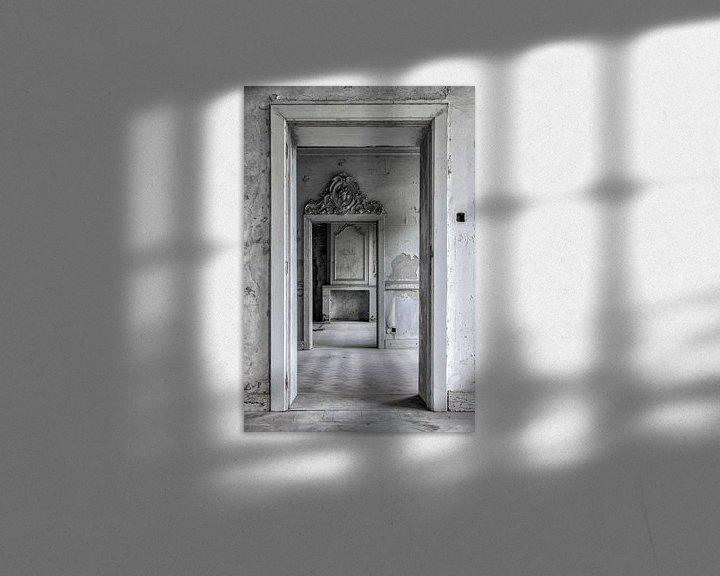 Sfeerimpressie: Diepteperceptie van verschillende kamers in oud verlaten kasteel van Steven Dijkshoorn