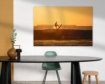 Surfen in Mentawai bei Sonnenuntergang 2