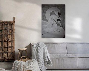 Zeichnung von zwei verliebten Schwänen, in Schwarz-Weiß von Breezy Photography and Design