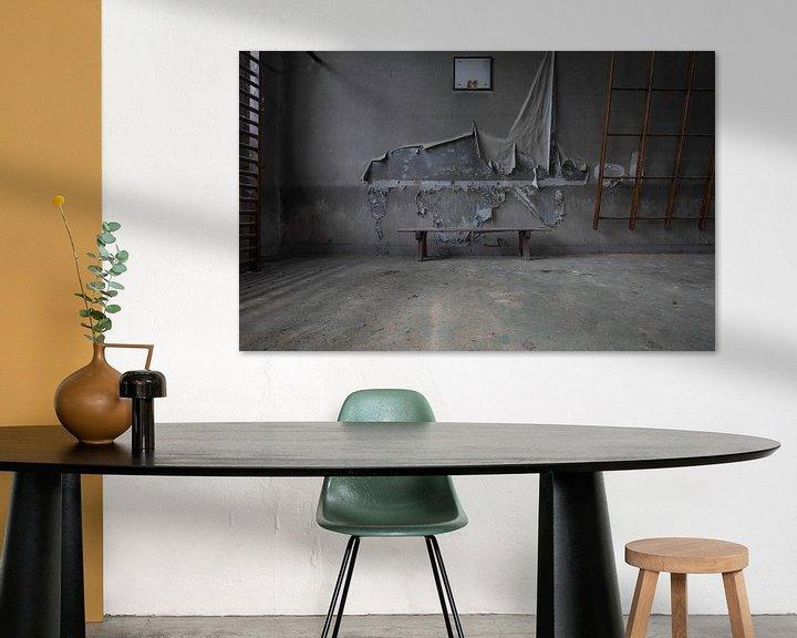 Sfeerimpressie: Gymzaal in verval van Ben van Sambeek