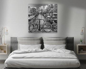 Typique d'Amsterdam | Monochrome sur Melanie Viola