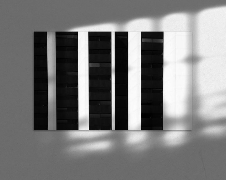 Sfeerimpressie: Abstract rotterdam in zwartwit II van Ilya Korzelius