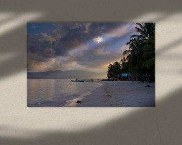 Sonnenuntergang auf einer tropischen Insel in Panama