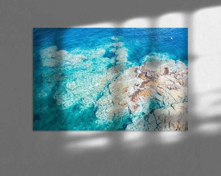 Sfeerimpressie: Rotsplateau kust Sardinië van Bernardine de Laat