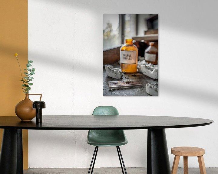 Sfeerimpressie: Werktafel tandkliniek Pripyat van Karl Smits