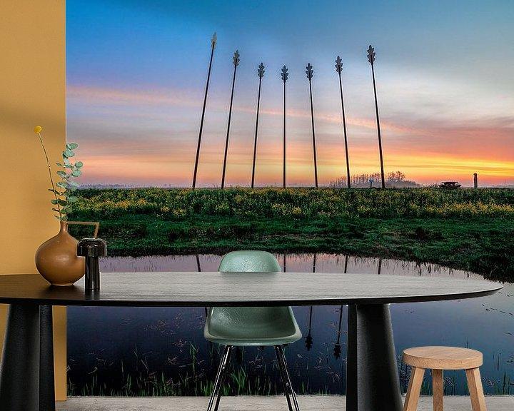 Sfeerimpressie behang: Oerwold De Onlanden tijdens zonsopkomst met reflectie van R Smallenbroek