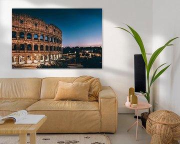 Kolosseum von Rom am Abend von Tom Bennink