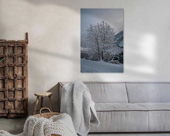 Beispiel: Schneebedeckter Baum von Merijn Loch