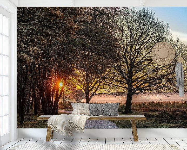 Sfeerimpressie behang: Fietspad in de vroege ochtend van Wendy van Kuler