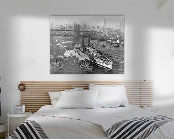 Kriegsschiff USS ARIZONA auf dem östlichen Fluss in der Stadt New York von Atelier Liesjes