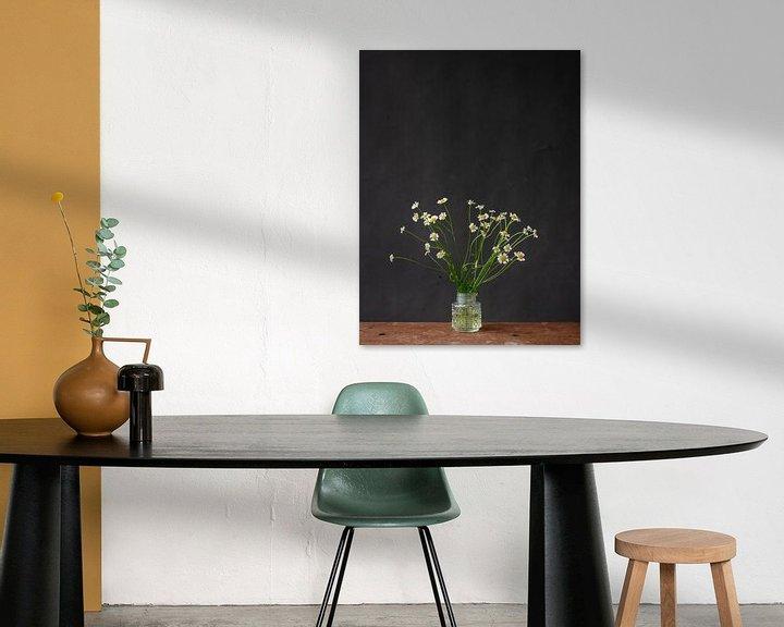 Sfeerimpressie: Foto print | modern | botanisch | bloemen | fotografie |madeliefjes | lente van Jenneke Boeijink