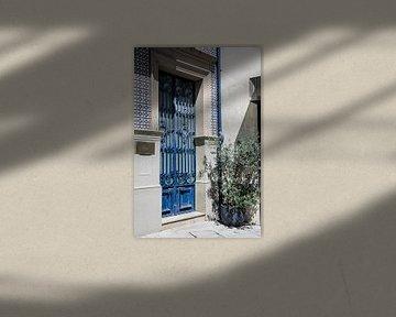 Blauwe deur in Lissabon