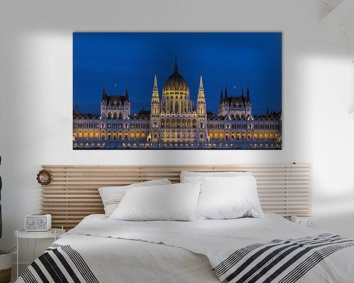 Sfeerimpressie: Parlementsgebouwen, Boedapest van Mike Bing