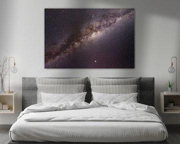 Galaxie avec une étoile filante sur Lucas De Jong