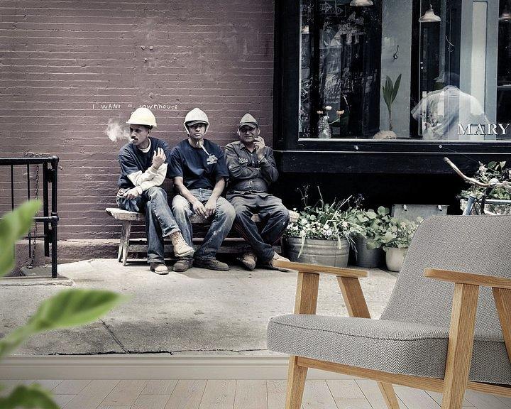 Sfeerimpressie behang: New York City Pauze voor bouwvakkers van Francisca Snel