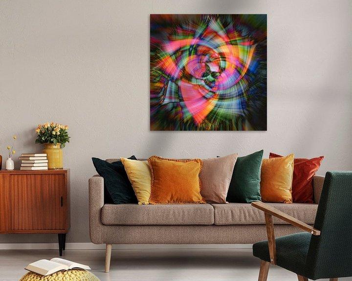 Sfeerimpressie: Abstracte bloem van Carla van Zomeren