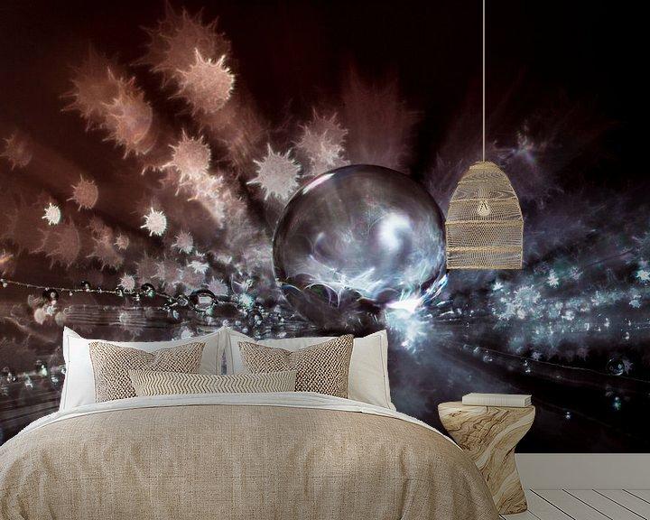 Sfeerimpressie behang: Water druppel op een pluisje met stervormige bokeh van Bert Nijholt