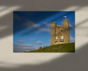 La tour Broadway qui domine de sa colline sur Photos by Aad